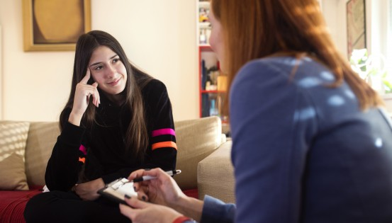 L'avantage psy de la MC bénéficie aussi aux adolescents qui consultent un psychologue.
