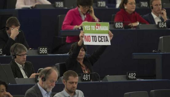 L'issue du scrutin, connue d'avance, n'a pas empêché la manifestation de désapprobations par certains eurodéputés à Strasbourg. © Reporters_Abaca