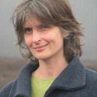 Psychologue et docteure en anthropologie, Véronique Servais enseigne l'anthropologie de la communication à l'Université de Liège.
