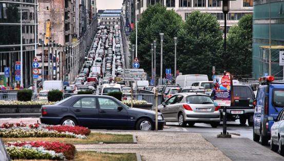 © iStock Entre juin et décembre 2019, les émissions provenant des voitures belges en circulation dans la Région ont diminué de 4,7% pour les oxydes d'azote et de 6,4% pour certaines particules.