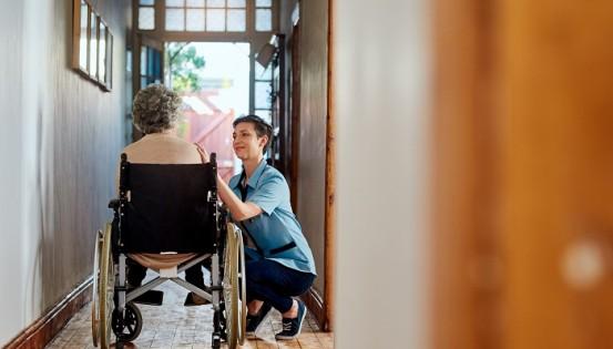 La quasi-totalité des infirmiers à domicile sont aujourd'hui conventionnés, ce qui en fait la profession soignante la plus conventionnée en Belgique.