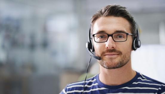 Si vous êtes testé positif au Covid-19, un collaborateur du centre d'appel de votre région vous appelera pour vous demander la liste des personnes avec lesquelle vous avez été en contact.