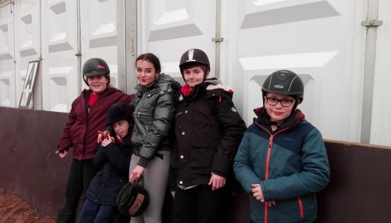 © S. Cosentino Une partie du groupe durant le séjour d'équitation.
